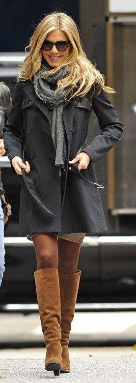 Nobody wears neutrals better than Jen Aniston.