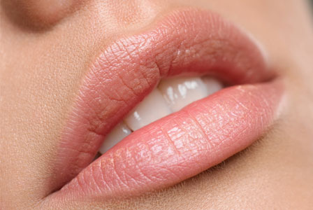 Click on the photo to visit aroundmakeup.com to learn more about getting these gorgeous kissable lips!