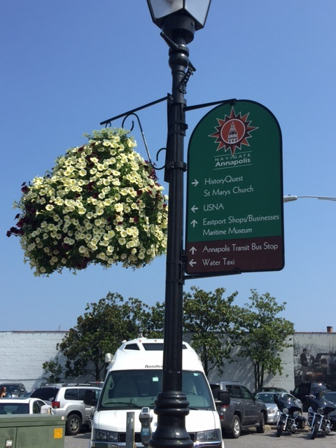 Sign&Flowers