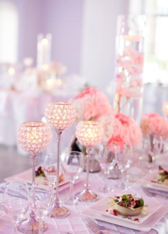 Romantic wedding setting by weddingromantique.com