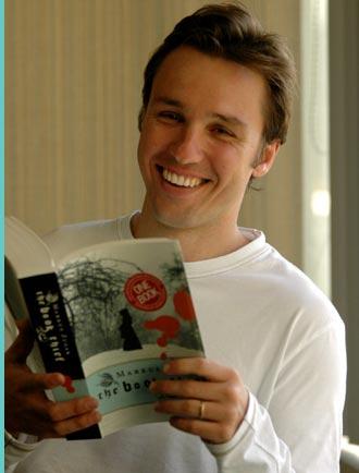 markus zusak holding The Book Thief