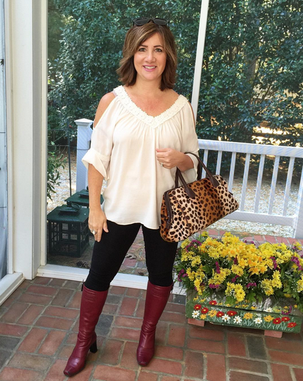 SATURDAY | #FROCKTOBER | Day 22 Spending the day with family, catching up on grading papers, and being a chauffeur to my children in this comfy #ootd. Top from #charmingcharlie; stretch leggings #verawang; cranberry boots by #francosarto. An old leopard bag for fun and shades on my head from #anntaylor.