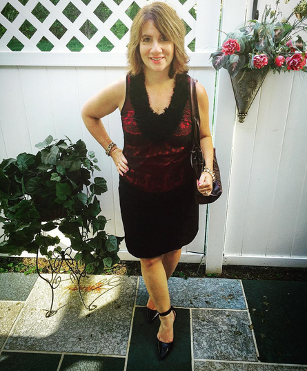 TUESDAY | #FROCKTOBER Day 18 | Today's #ootd on this very warm #October day featured this red and black top by #daytripclothing; black ruffle skirt by #whitehouseblackmarket; ankle strap pointed toe heels by #samandlibby; bag from #kennethcole.