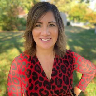 Stephanie Verni Headshot